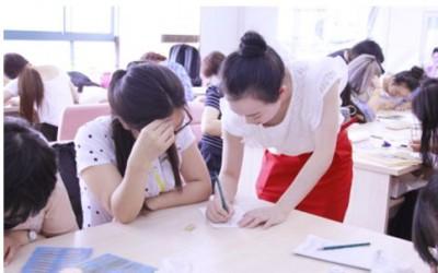 杭州哪里可以零基础学半永久纹绣纹眉